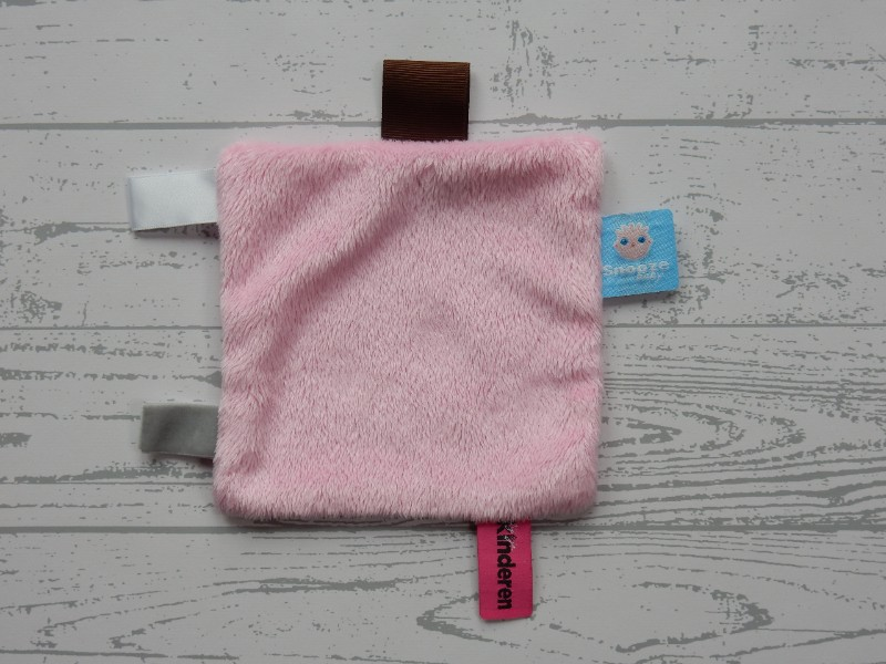 Snoozebaby knuffeldoek labeldoek velours roze Jij & je Kinderen