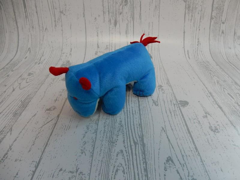 Natalis Agis Zorgverzekeringen knuffel velours blauw rood Nijlpaard