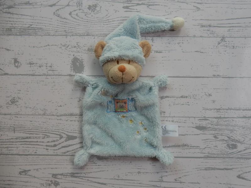 Nicotoy knuffeldoek velours lichtblauw beige slaapmuts beer