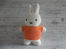 Nijntje Sekiguchi knuffel velours wit oranje 33 cm