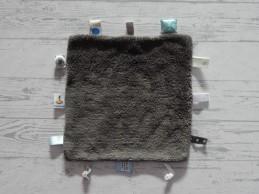 Snoozebaby knuffeldoek labeldoek grijs print Rabobank