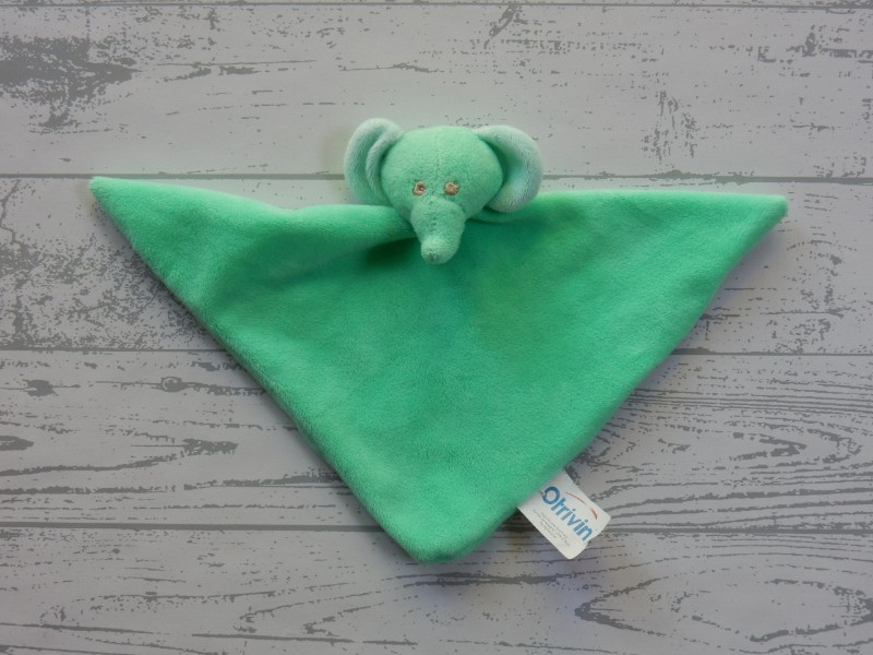 Otrivin knuffeldoek velours groen driehoek Olifant