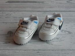 Nike babyschoen first...