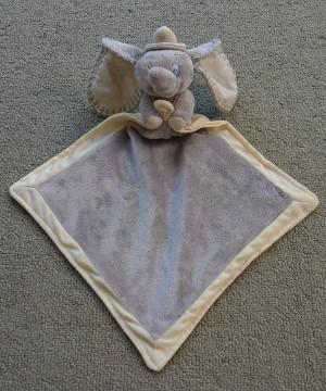 Nicotoy Disney knuffeldoek velours grijs ecru olifant Dombo