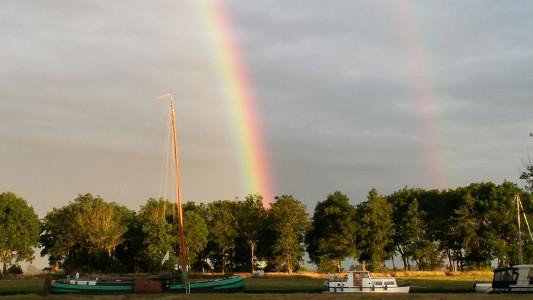 voorjaar regenboog